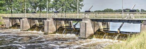 Damm i floden Vecht arkivbilder