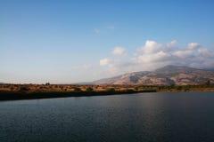 Damm nära Dafna ängar Arkivfoto