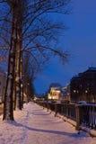 Damm in St Petersburg nachts Stockbild