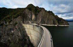 Damm Vidraru in Rumänien Lizenzfreie Stockbilder
