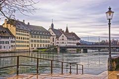 Damm von Aare-Fluss in Solothurn in der Schweiz Lizenzfreies Stockbild