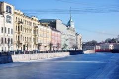 Damm von Fluss Moyka in St Petersburg, Russland Stockfoto