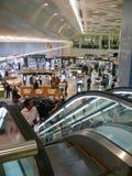 DAMMAM-KONUNG FAHD, SAUDIARABIEN - DESEMBER 19, 2008: Flygplats fotografering för bildbyråer