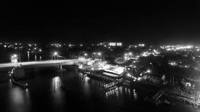 Dammbrücke Stockfotos