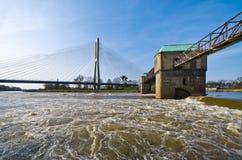 Dammbyggnad på den Odra floden Fotografering för Bildbyråer