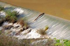 Dammbyggnad som ska bevattnas Royaltyfri Fotografi