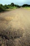 Dammig grusväg i de Galapagos högländerna Arkivbild