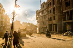 Dammiga gator av Katmandu Royaltyfri Fotografi
