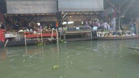 Damnoek suduak floating market. Damoek saduak floating market in thailand stock footage