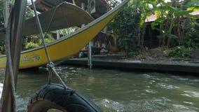 Damnoek suduak floating market. Damoek saduak floating market in thailand stock video
