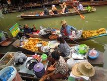 damnoen flottörhus marknadssaduak thailand Royaltyfri Fotografi