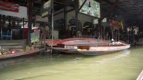 Damnoen Saduak floating market stock video footage