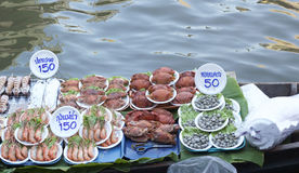 Damnoen saduak floating market, Thailand with food sale Stock Images
