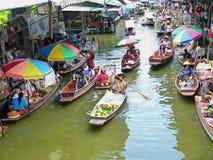 Damnoen Saduak sich hin- und herbewegender Markt, Thailand Stockbild