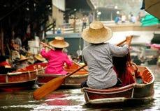 Damnoen Saduak, Thaïlande : Marché de flottement image stock