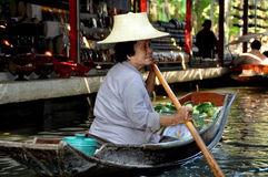 Damnoen Saduak, Thailand: Floating Market Vendor Royalty Free Stock Photography