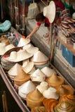 Damnuan Saduak spławowy rynek w środku Tajlandia. Obrazy Stock