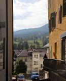 DAmpezzo de la cortina del paisaje urbano, Italia Foto de archivo libre de regalías