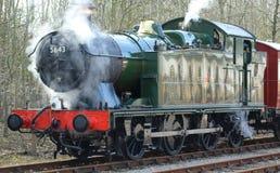 Dampf-Maschine 5643, die weg vom Dampf lässt Lizenzfreies Stockfoto