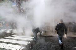 Dampf von der Straße Untertage in NYC Stockfotos