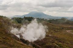 Dampfentlüftung an den Kratern des Mondes stockfotos