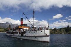 Dampfer TSS Earnslaw in Queenstown, Neuseeland Lizenzfreies Stockfoto