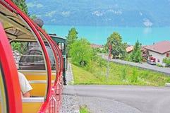 Dampfgleis in den Schweizer Alpen. stockbilder