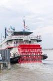 Dampfschiff Natchez reist auf seine tägliche Kreuzfahrt herauf das Mississippi II ab Lizenzfreie Stockbilder