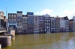 Damrak运河在阿姆斯特丹 库存照片