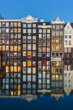 Damrak kanał w Amsterdam, holandie Zdjęcia Stock