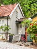 Damstredet,奥斯陆住宅区有老木房子的 奥斯陆,挪威地标首都 免版税库存图片