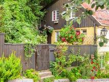 Damstredet,奥斯陆住宅区有老木房子的 奥斯陆,挪威地标首都 免版税图库摄影