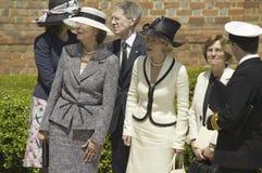 Damtoalett som väntar på ankomst av drottningen Elizabeth II royaltyfri fotografi