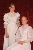 damtoalett två barn royaltyfria bilder