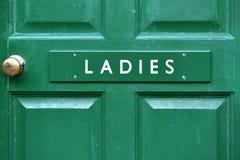 Damy drzwi toaletowy znak Zdjęcie Royalty Free