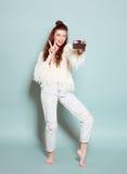 Dança à moda da mulher da forma e foto da fatura Imagens de Stock Royalty Free