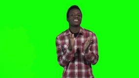 Dança africana do indivíduo na tela verde vídeos de arquivo