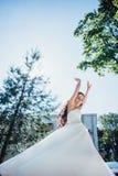 Dança bonita da noiva Fotografia de Stock