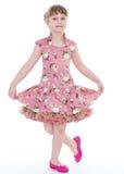 Dança bonito da menina em uma festa de anos. foto de stock