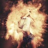 Dança da mulher da ficção fotografia de stock