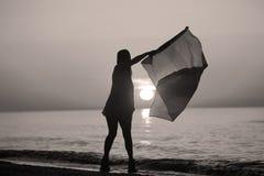 Dança da senhora com uma bandeira Fotografia de Stock Royalty Free