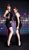 Dança de duas mulheres Fotos de Stock Royalty Free