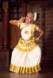 Dança de Mohinyattam no forte Cochin, Índia fotografia de stock