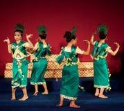 Dança de Phloy Suoy, Camboja Imagem de Stock