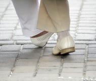 Dança de primeira geração dos pés da avó foto de stock royalty free
