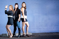 Dança de saída de três senhoras! Imagem de Stock