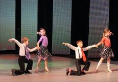 A dança de salão das crianças imagem de stock