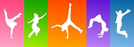 Dança de salto dos povos da silhueta Imagens de Stock Royalty Free