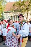 Dança de Starka no traje popular fotografia de stock