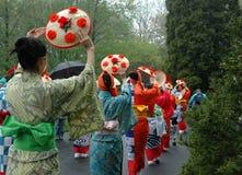 Dança do chapéu da flor Imagem de Stock